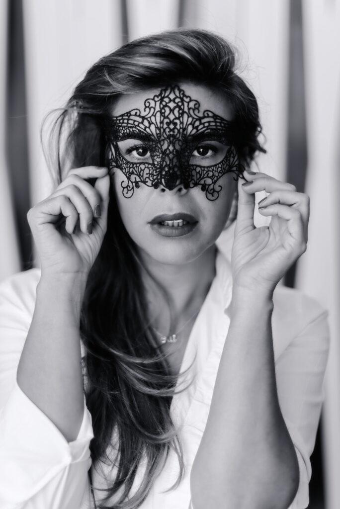 Mujer tras la máscara ©Eva Gascon