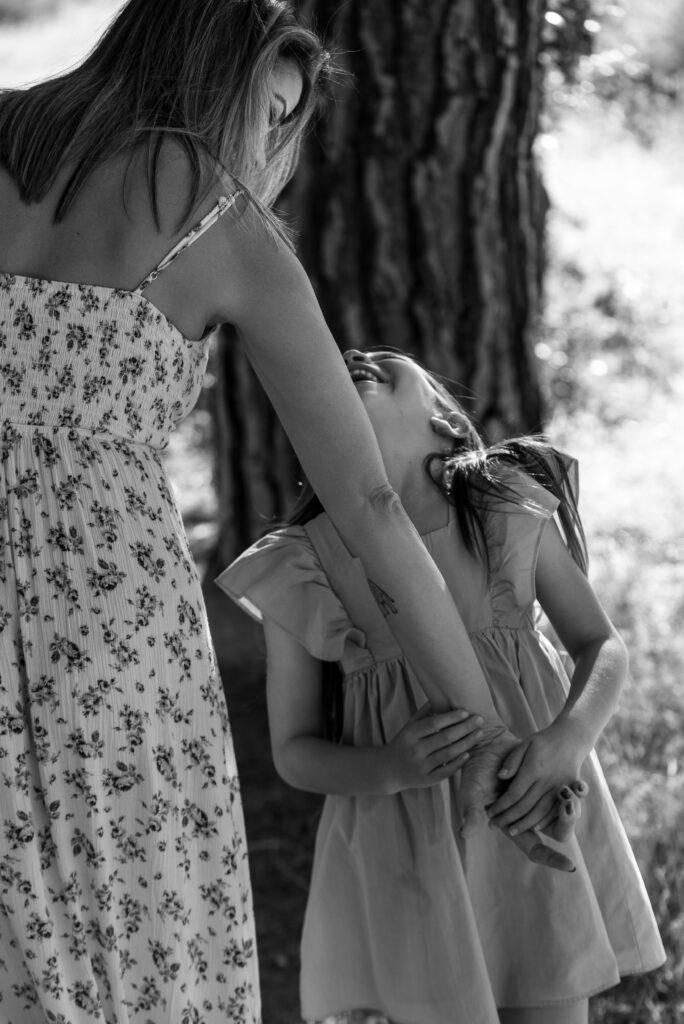 Conexión en la mirada entre madre e hija ©EvaGascon